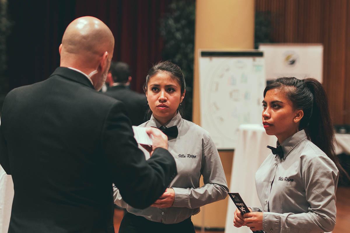equipo de sala en los Premios Ondas - Xerta Catering